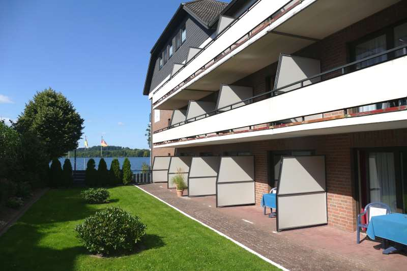 https://seehotel-diekseepark.de/Wordpress_01/wp-content/uploads/terrasse_balkon.jpg